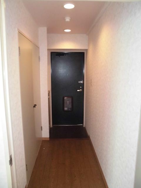 ガーデンハイツ港陽 602号室の玄関