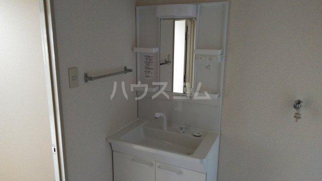 第3高杉マンション 302号室の洗面所