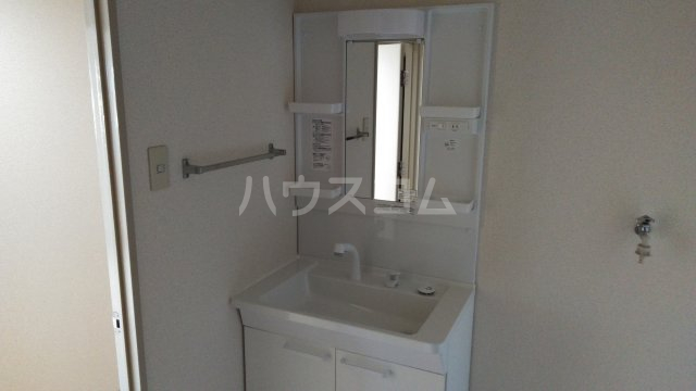第3高杉マンション 401号室の洗面所