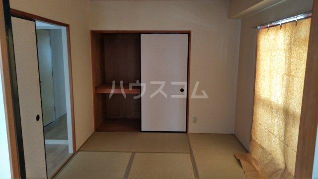第3高杉マンション 401号室の居室