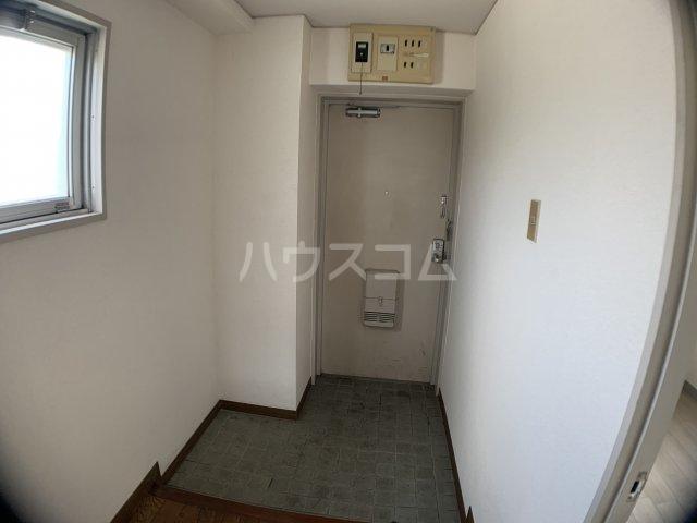 山嵜ビル 401号室の玄関