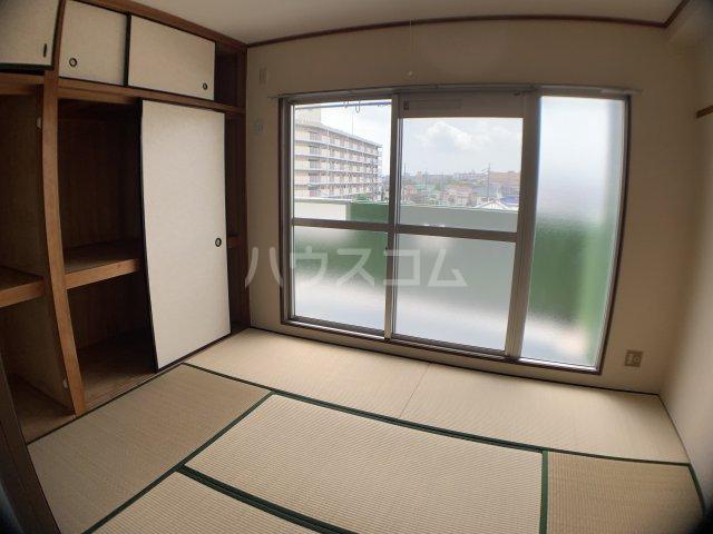 山嵜ビル 401号室のベッドルーム