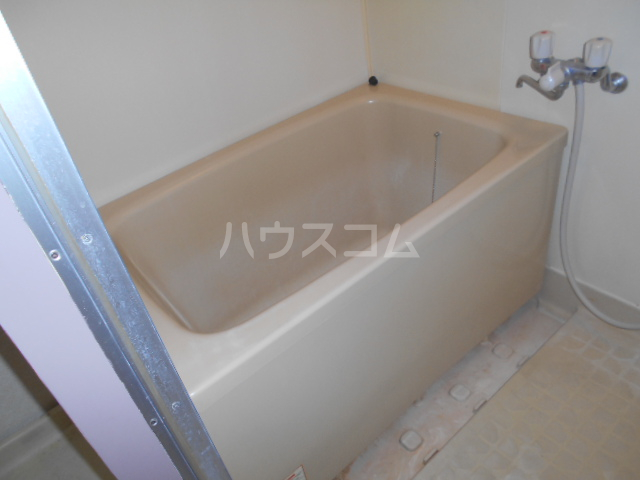 プレズ名古屋入場 403号室の風呂