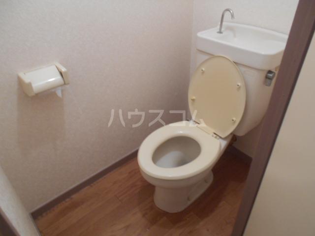 プレズ名古屋入場 403号室のトイレ
