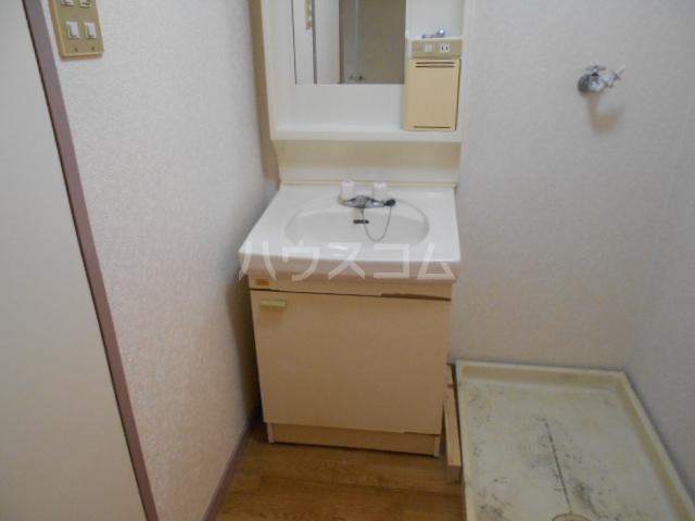 プレズ名古屋入場 403号室の洗面所