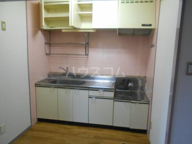 プレズ名古屋入場 403号室のキッチン