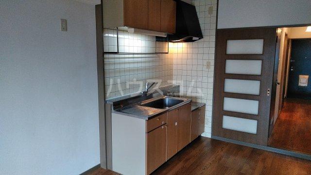 ライフステージ川間 306号室のキッチン