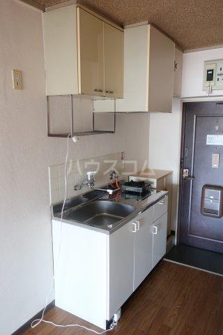 第2宮脇ビル 3F号室のキッチン