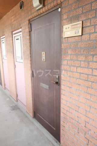 第2宮脇ビル 3F号室の玄関
