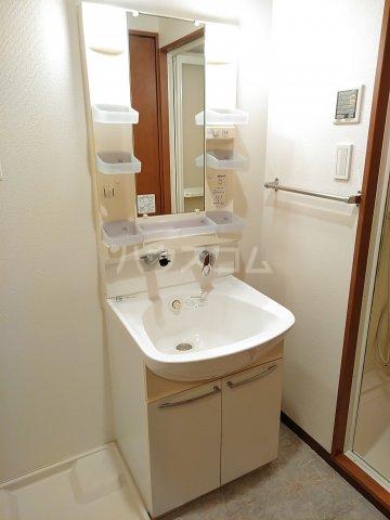 コアノス荒子 102号室の洗面所
