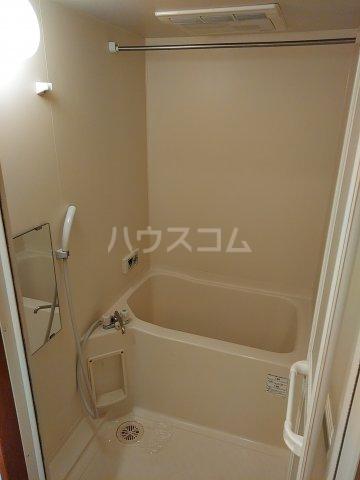 コアノス荒子 102号室の風呂