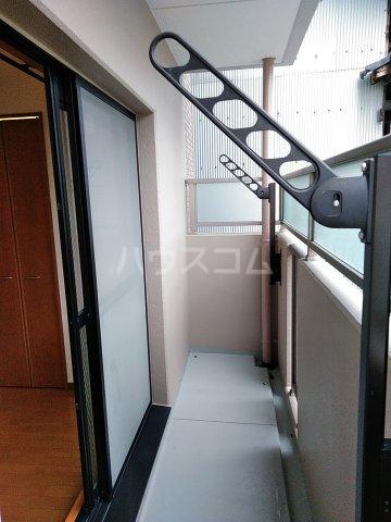 コアノス荒子 102号室のバルコニー