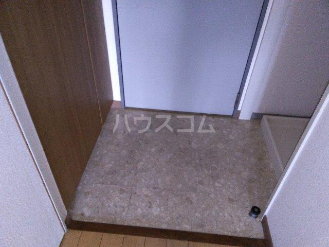カルム亀島 605号室の玄関