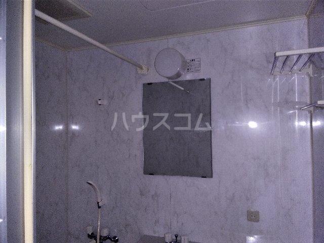 カルム亀島 605号室の風呂
