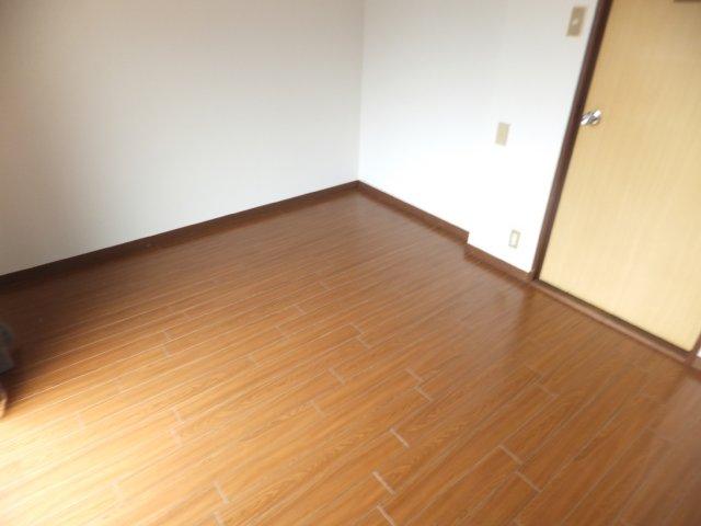 第5ラインビル 306号室のベッドルーム