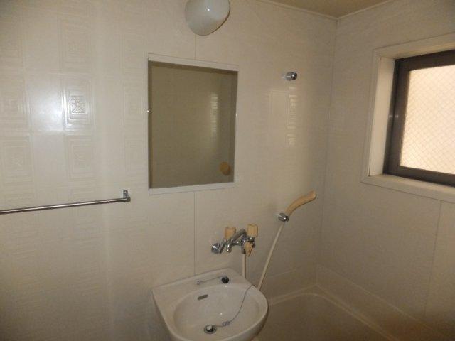 第5ラインビル 306号室の風呂