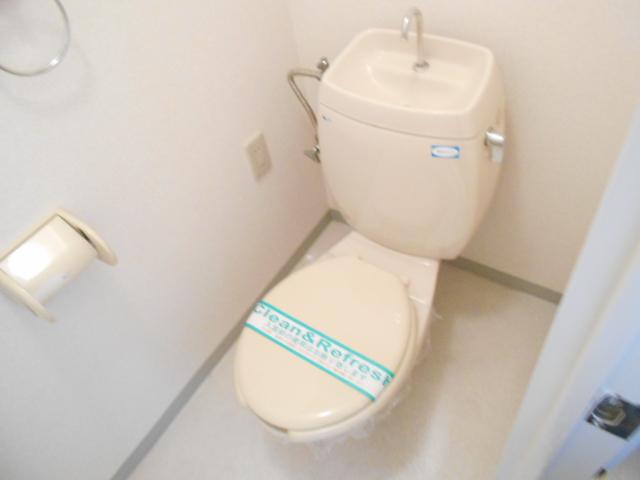 レジディア日比野 808号室のトイレ