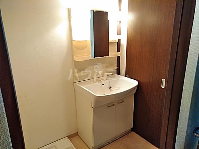 シズステージ 103号室の洗面所