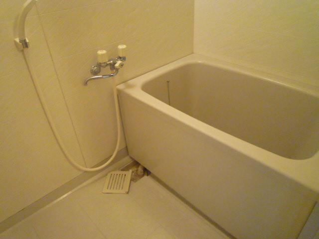 三鈴ライフ 1C号室の風呂