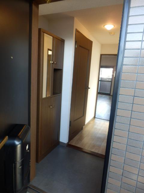 三鈴ライフ 1C号室の玄関