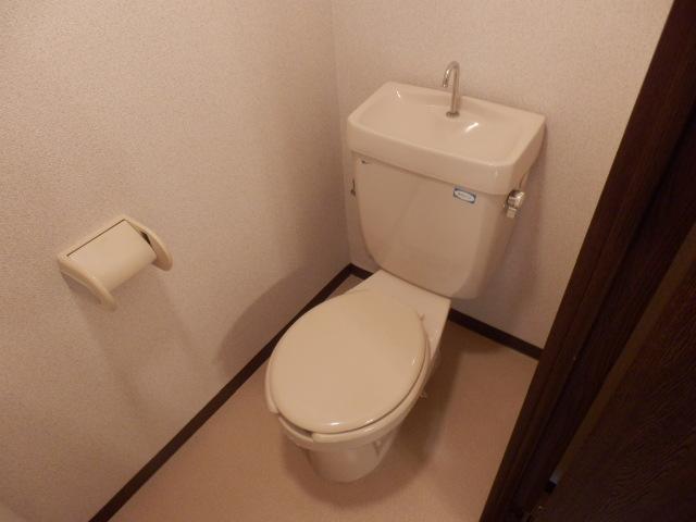 三鈴ライフ 1C号室のトイレ