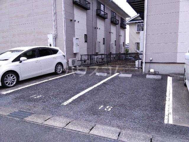 エクセルⅡの駐車場