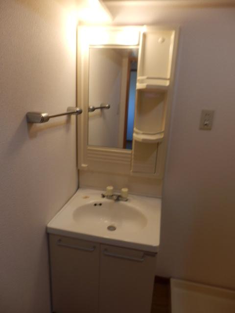 クレヴィア甚目寺 702号室の洗面所