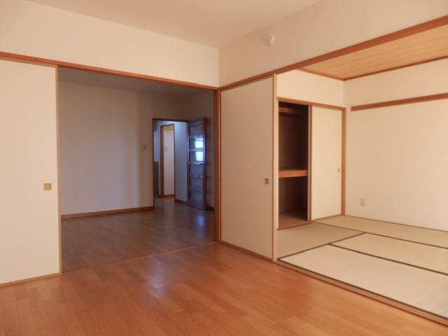 クレヴィア甚目寺 702号室のベッドルーム