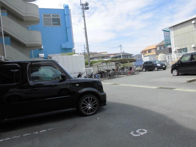 リマーニ南陽 406号室の駐車場