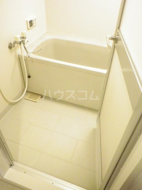ラフィネ南十一番 503号室の風呂