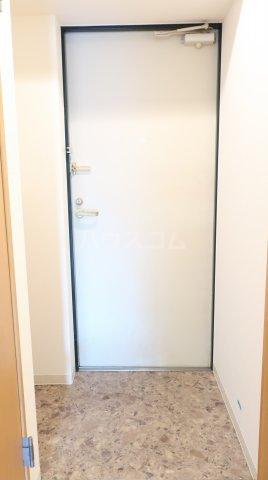 willDo金山沢下 501号室の玄関