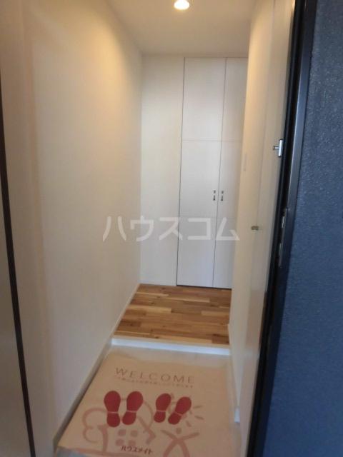 Comfortささしまライブ 202号室の玄関