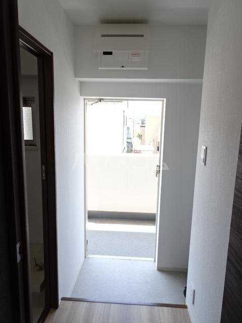 シティコーポ春田 203号室の玄関