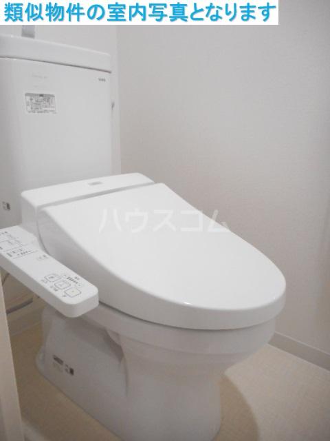モンテーニュ名駅 401号室のトイレ
