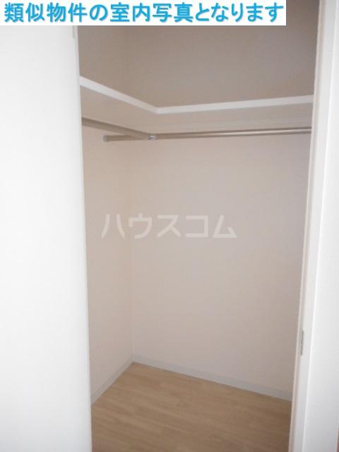 モンテーニュ名駅 401号室の収納
