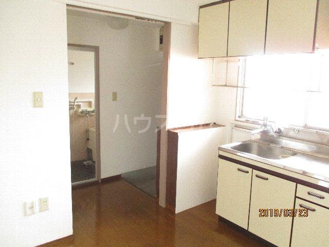 醍醐ハイツ 105号室のリビング