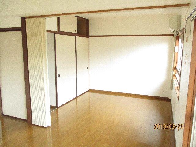 醍醐ハイツ 105号室の居室