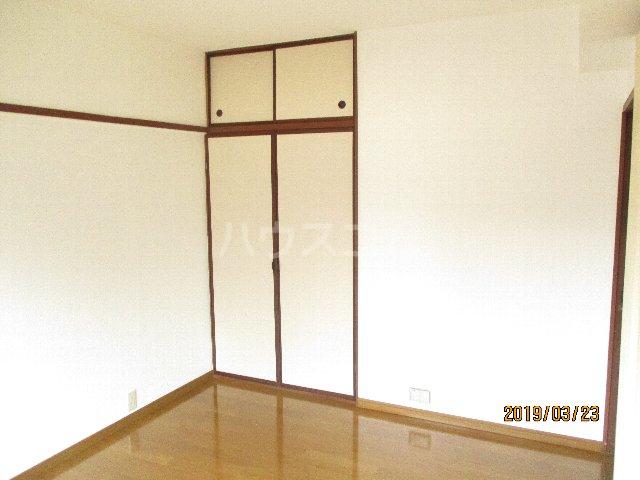 醍醐ハイツ 105号室のベッドルーム