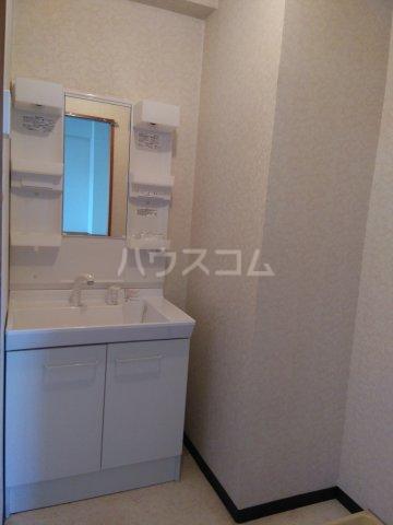 ガウディ割塚 153号室の洗面所