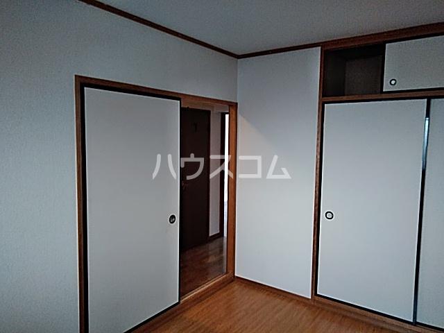 グリ-ンヒルJ&J 203号室の居室