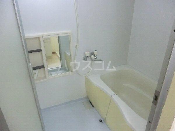 ビューラー樋田 102号室の風呂