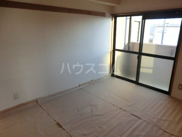 ビューラー樋田 102号室のベッドルーム