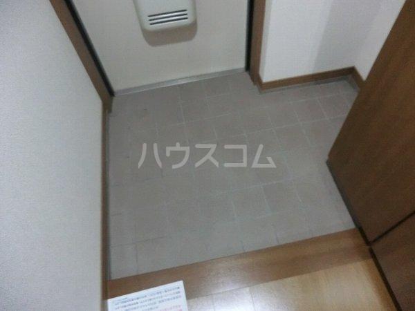 ビューラー樋田 102号室の玄関