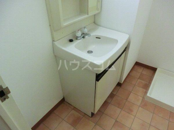 エルグランデ味美 2B号室の洗面所