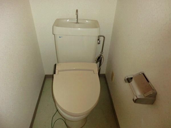 セジュールヒロ 301号室のトイレ