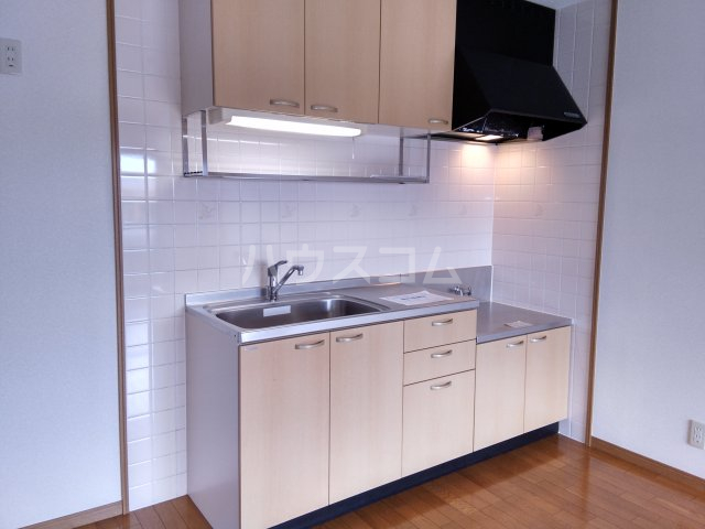 サンシャイン松河 302号室のキッチン