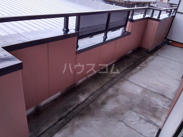 サンシャイン松河 302号室のバルコニー