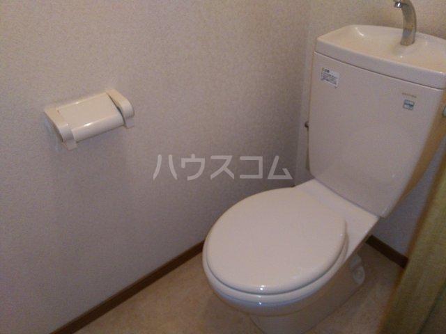 サンシャイン松河 302号室のトイレ