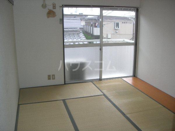 メゾンイチムラ 101号室のリビング