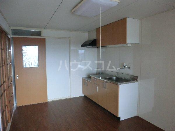 コーポ松栄 201号室のキッチン